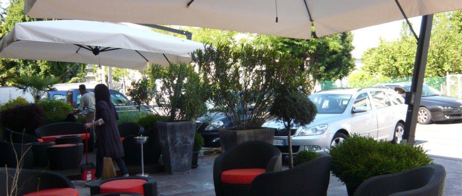 cantilever parasol terrace