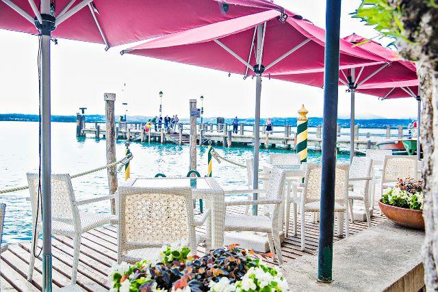 central pole parasol terrace bar restaurant